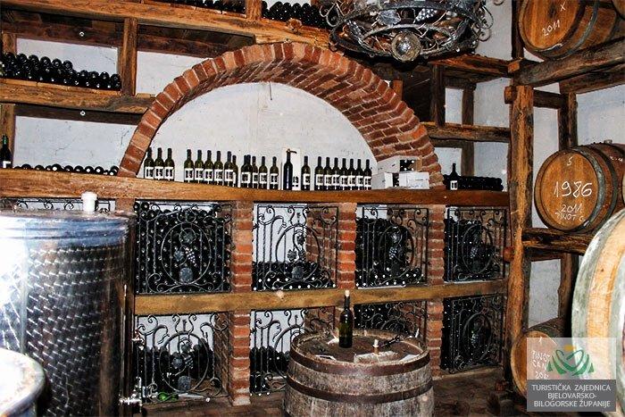 Vinia vinski podrum 1-2