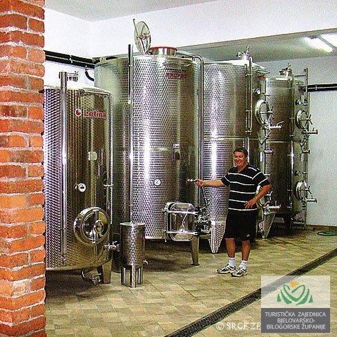 Vinarija vinia 1-2